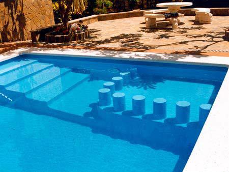 Recubrimiento y reparaci n de piscinas y jacuzzis piscinas for Recubrimientos para piscinas